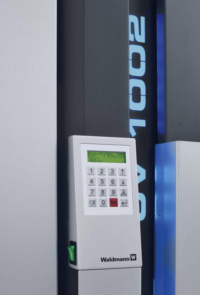 UV 1000 LCD